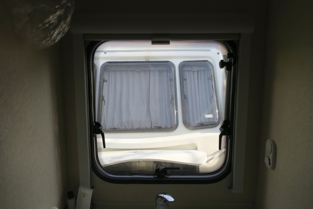 5 Steps to Remove RV Window Glass